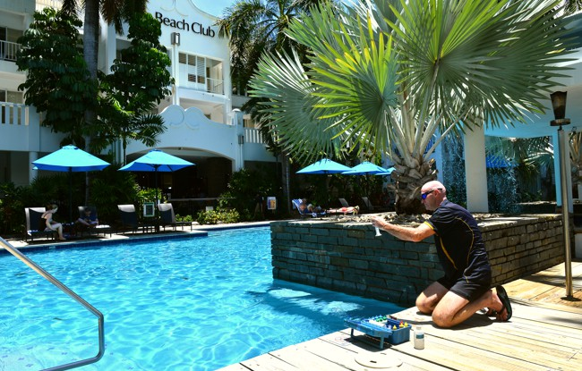 pool maintenance cairns