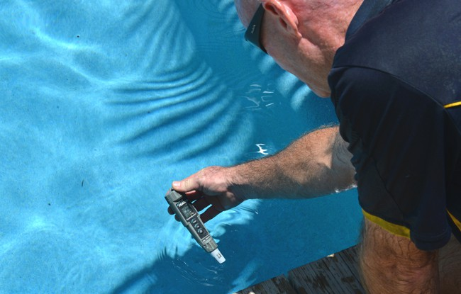 residential pool maintenance cairns